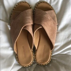 Maurices slides size 6